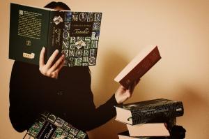 SB002 bookworm
